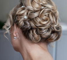 Get the Bridal Hairstyle Right