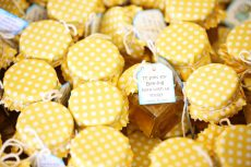 DIY Honey Jar Wedding Favours