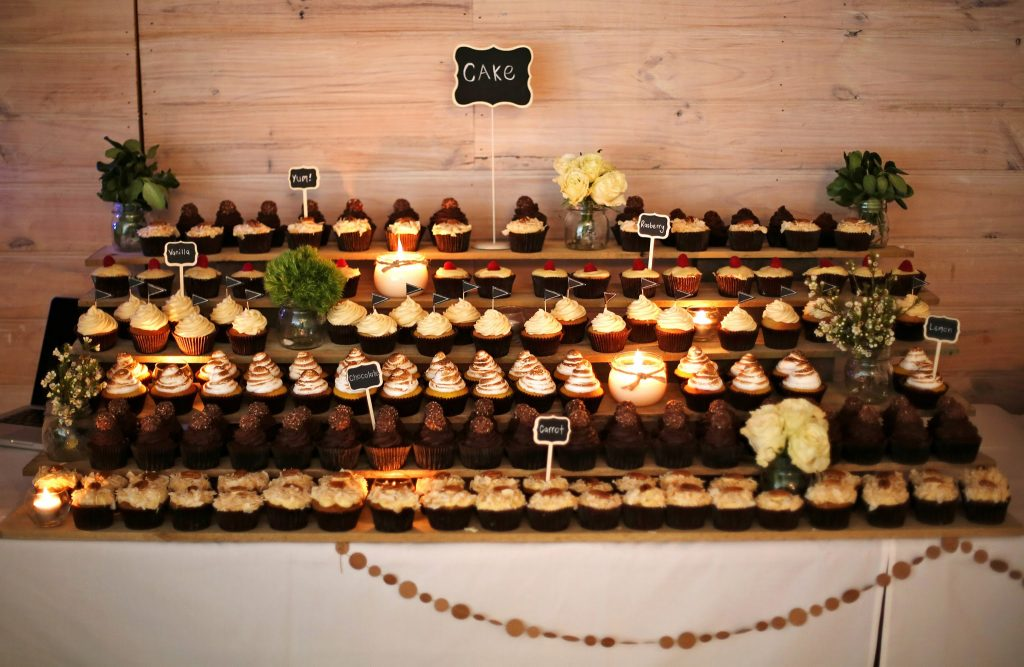 table with cupcake display